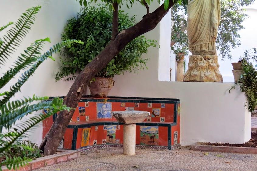 Notas cordobesas el patio de la casa de la familia romero for Rinconera jardin
