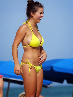 English: Catherine Giudici Yellow Bikini Miami