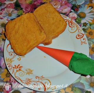 pane arancione ovvero  pane di kamut al succo di carota
