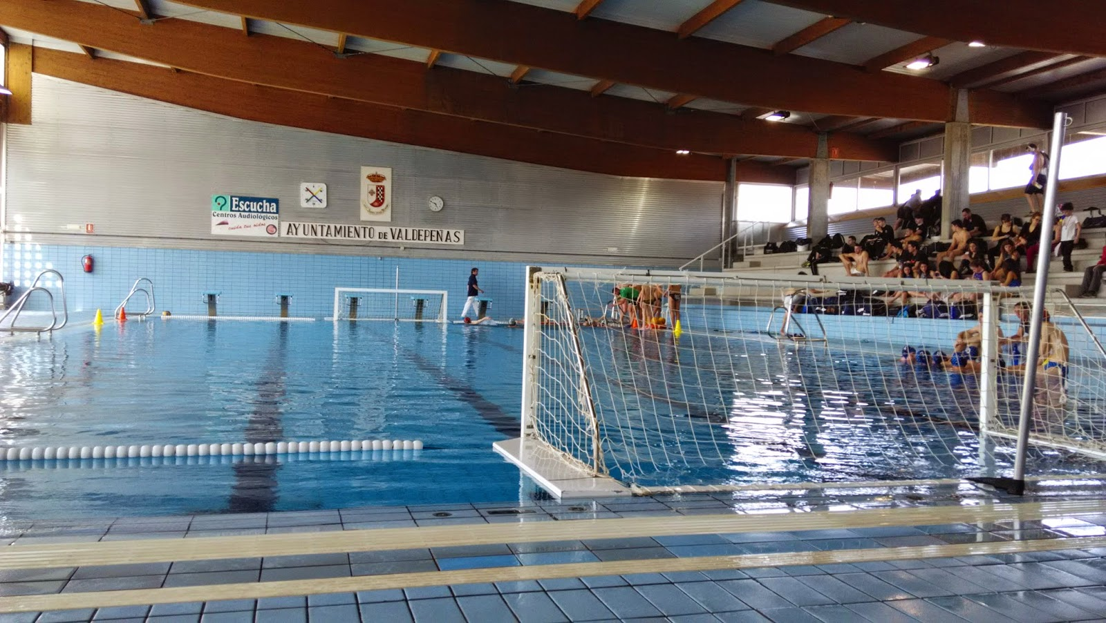 Waterpolo valdepe as tres victorias en casa nos dan for Piscina cubierta madridejos