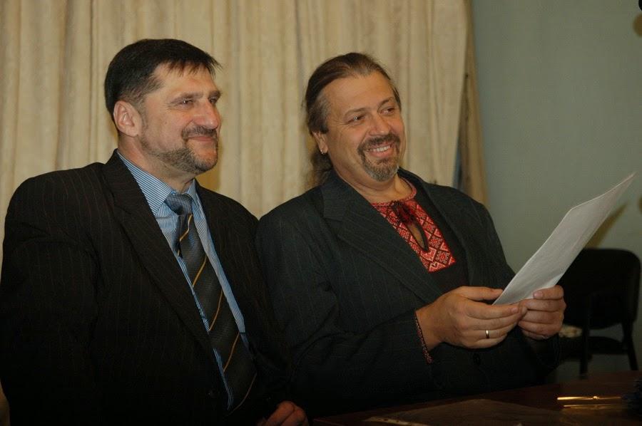 Фото Виталия Бабенко: писатели Пономаренко и Пантюк