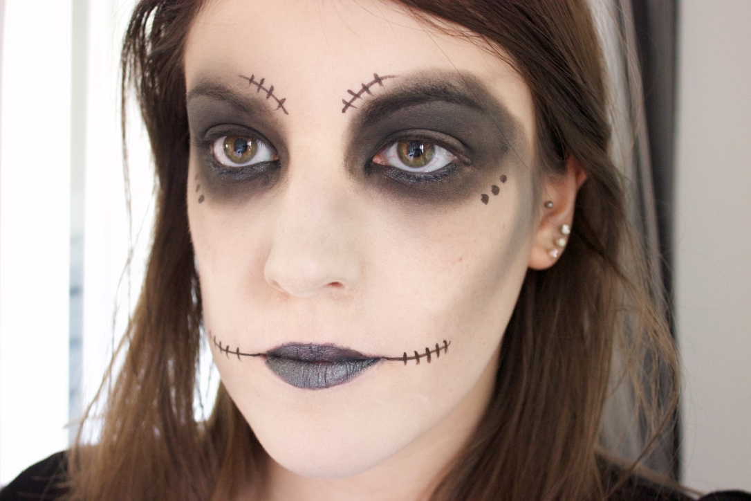 Skeleton Halloween Look