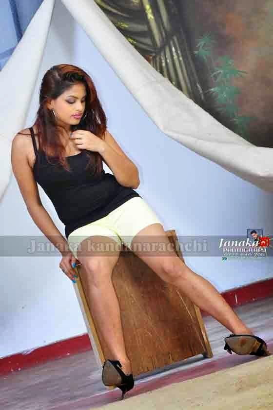 Thanuja Jayasinghe legs