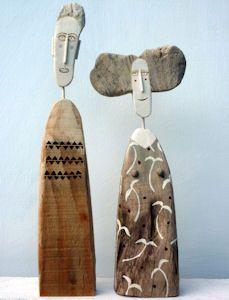 Escultura de madeira rústica reuso