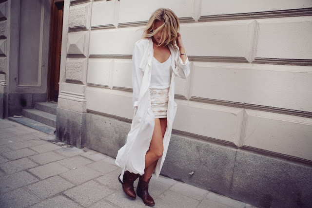 Fanny Lyckman blogger stylist famous scandinavia white look cowboy boots