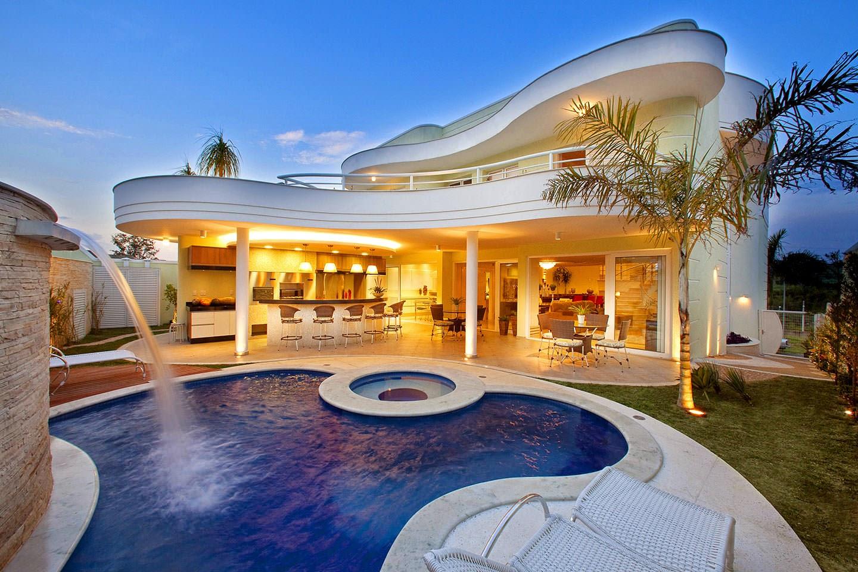Cascatas para piscinas veja modelos lindos dicas for Tipos de piscinas para casas