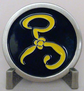Yellow Sign Challenge Coin, fronte