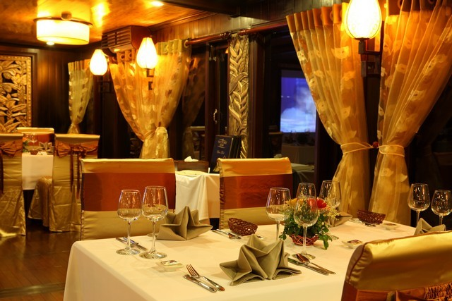 Romantic Dinner - Victory Star Cruise