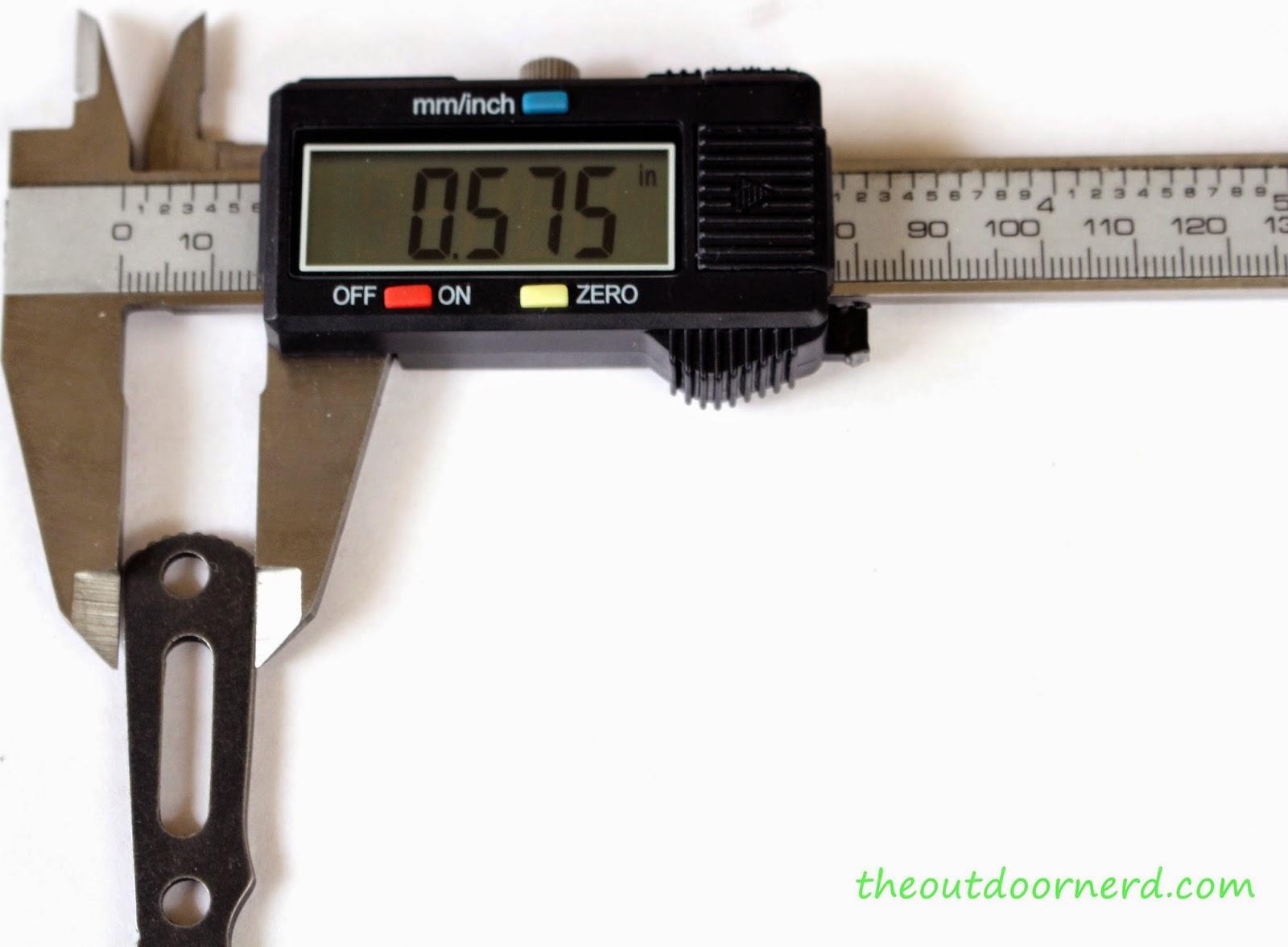 Boker Magnum 'Lil Friend' Arrowhead: Caliper Measurement 3