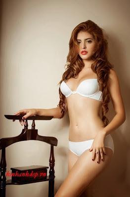 ảnh girl xinh Andrea Aybar 19