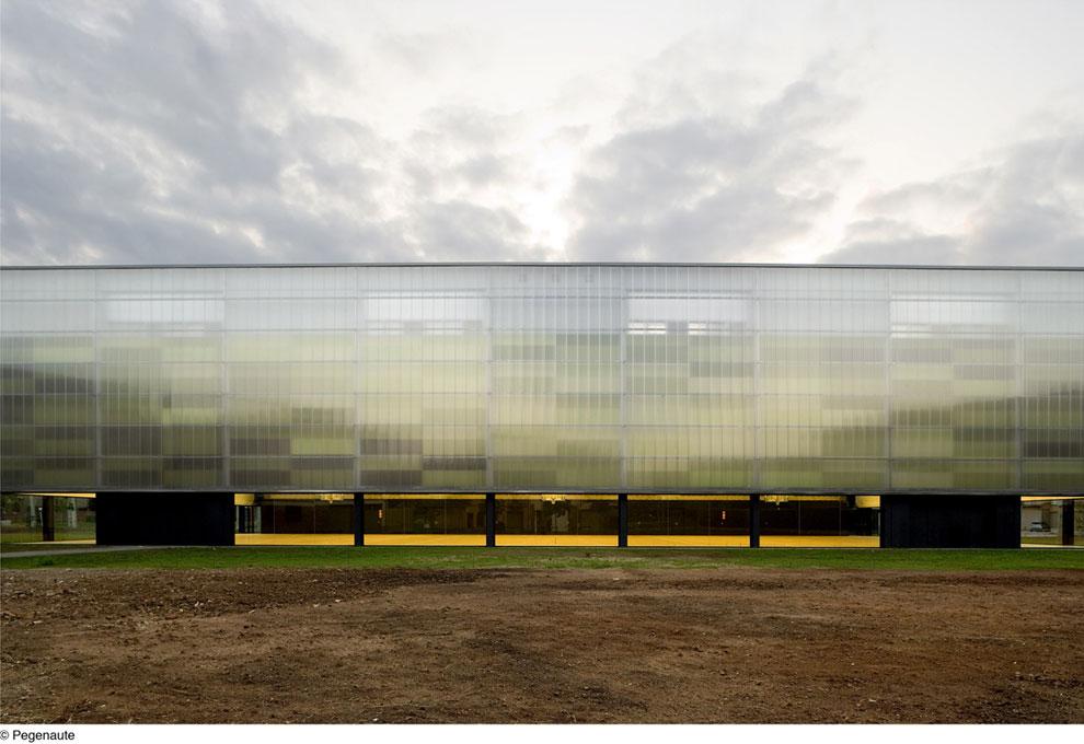 http://bcq.es/portfolio/municipal-sports-hall/