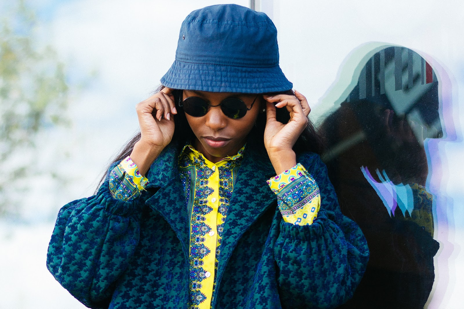 circle glasses, bucket hat, H&M, Zara, paisley print, dogtooth print, houndstooth print