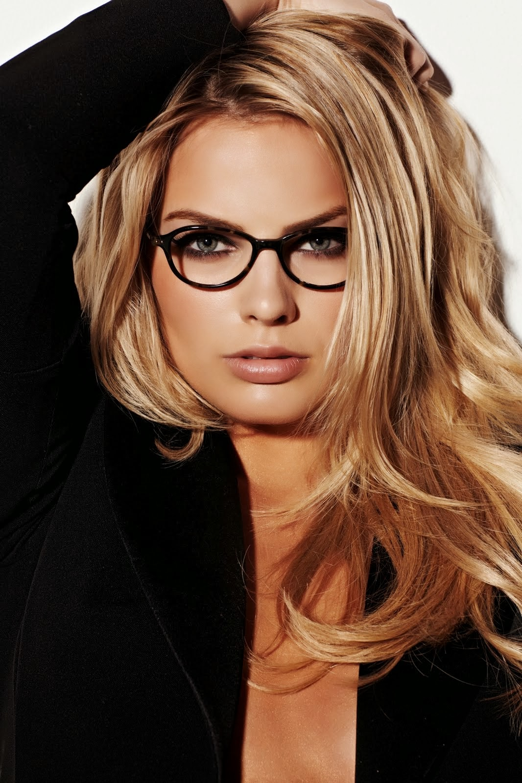 A Look At Amazingly Hot Actress Margot Robbie