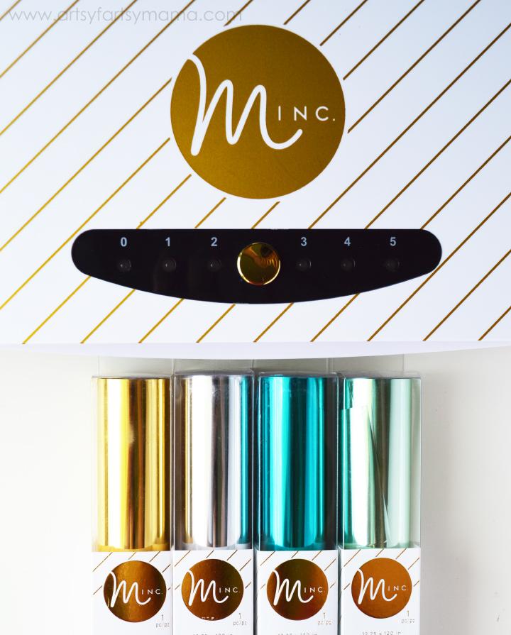 Foil Gift Tags in a snap at artsyfartsymama.com #HSMinc #foilallthethings