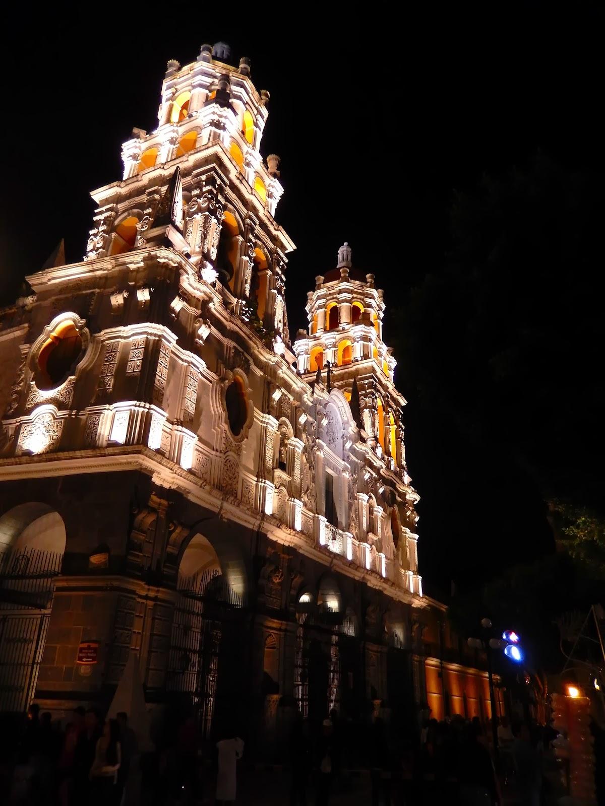 centro historico, puebla, edificio, iluminación nocturna