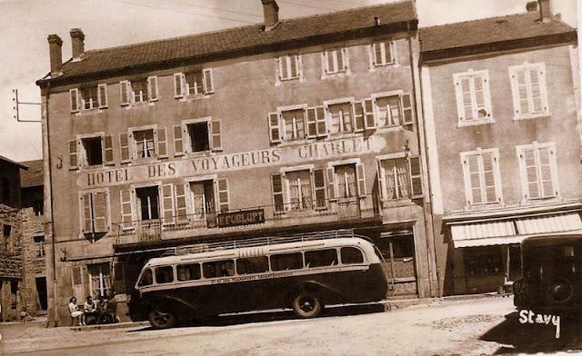 CPA Auvergne autobus