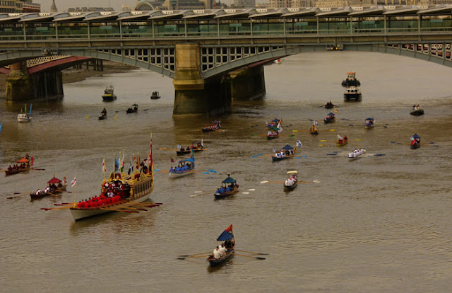 Lord Mayor's flotilla, Blackfriars Bridge, pageantry, London