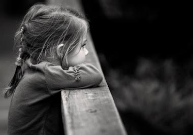 """""""Quando seus atos machucam os outros, não são atos. São erros.""""  (Juliane Rodrigues)"""