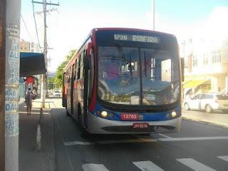 Idosos são ignorados nas paradas dos ônibus