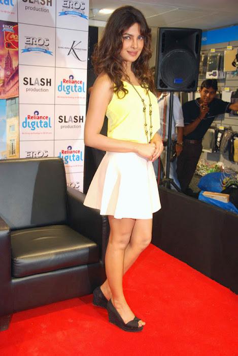 shahid & priyanka promote teri meri kahaani glamour  images