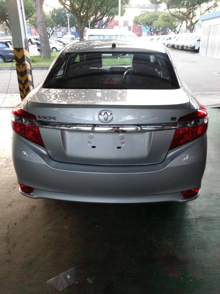 The rear design of the new 2013 Vios look very odd to me.