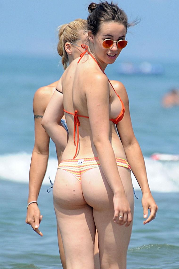 arab wet nude girls