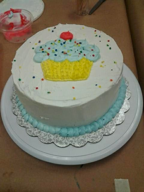 Cake Decorating Course At Michaels : Tricia s Sweet Treats: Wilton Courses: Cake with a Cupcake
