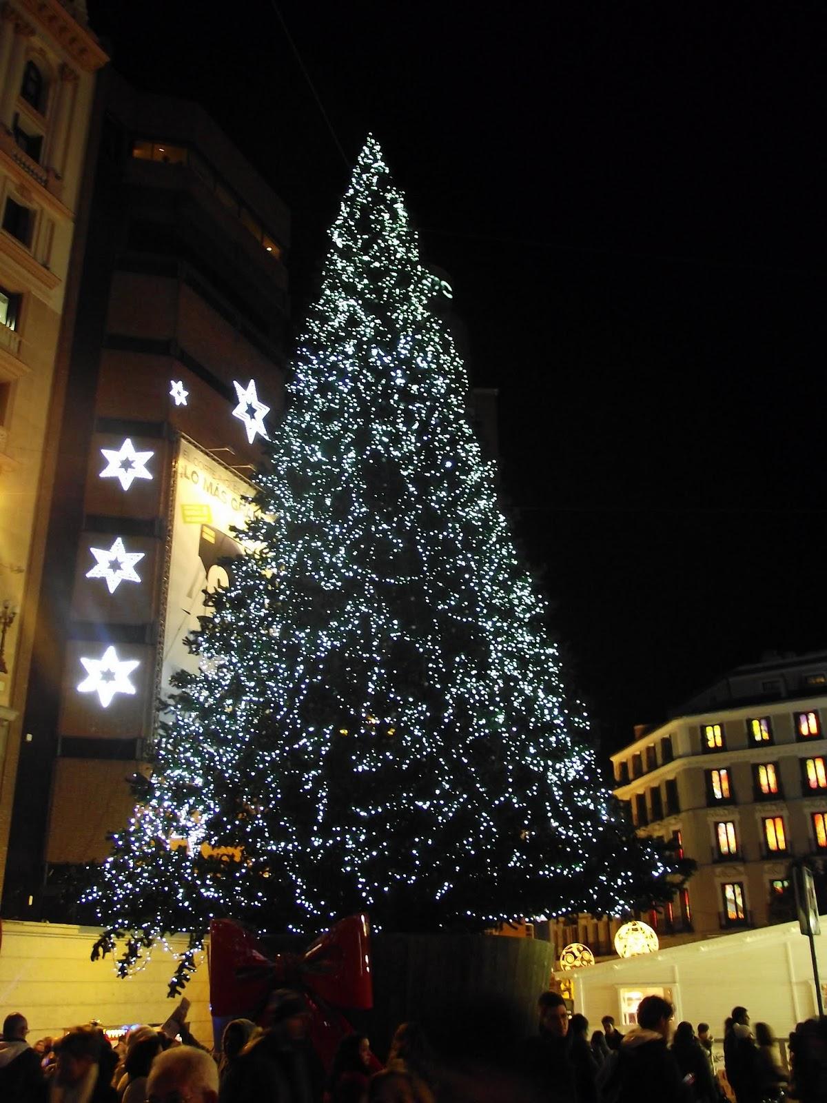 árbol navidad en plaza callao.