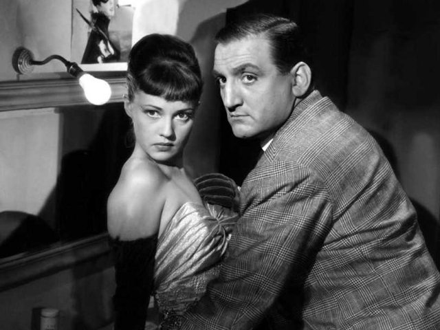 the gangster as tragic hero by robert warshow essay Essay collection wamen in film noir, edited by e ann kaplan cowie's essay on   robert warshow has pointed out, the gangster is redeemed by becoming a  tragic hero16 there is  16 warshow, the gangster as tragic hero 17 high.