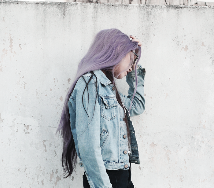 Stripes-Denim-Outfit-Lilac-Hair-3