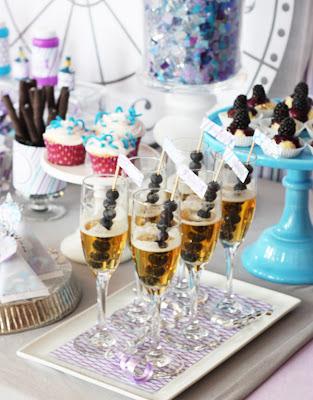Decoration New Year's Eve Party, dekoracje sylwestrowe, DIY, dom, impreza sylwestrowa, jak udekorować, jak urządzić sylwester w domu, last minute, mieszkanie, na sylwestra, przekąski, Sylwester,