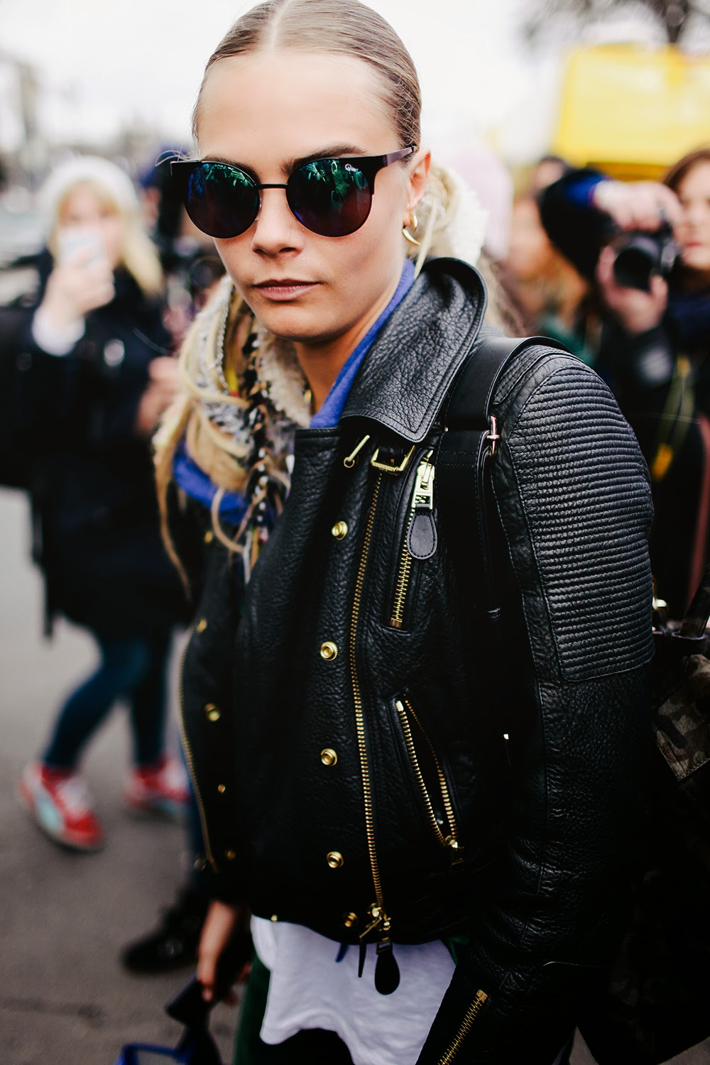 model street style cara delevingne after chanel the front row view. Black Bedroom Furniture Sets. Home Design Ideas