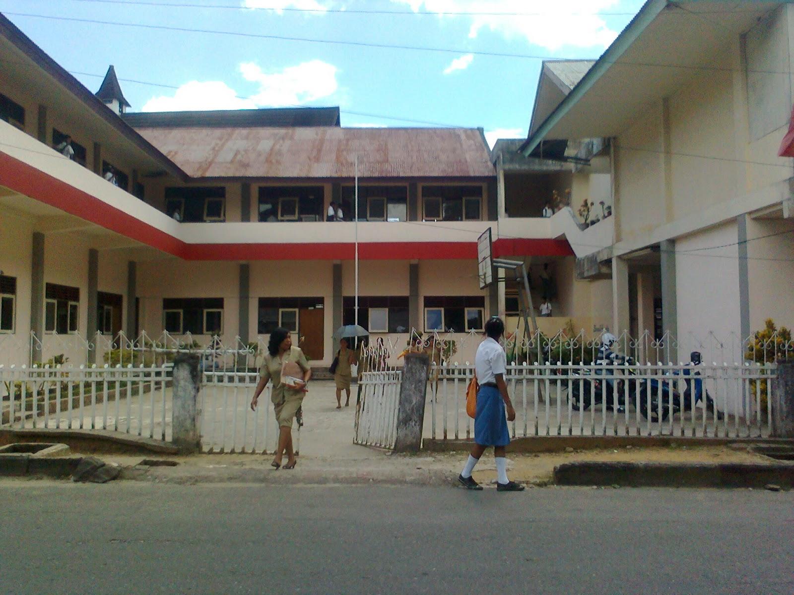 SMA Pertiwi Ambon.