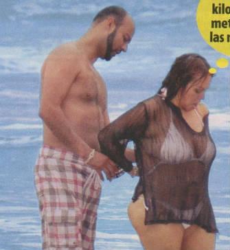 jenny rivera fotos en bikini a la orilla del mar candidstars
