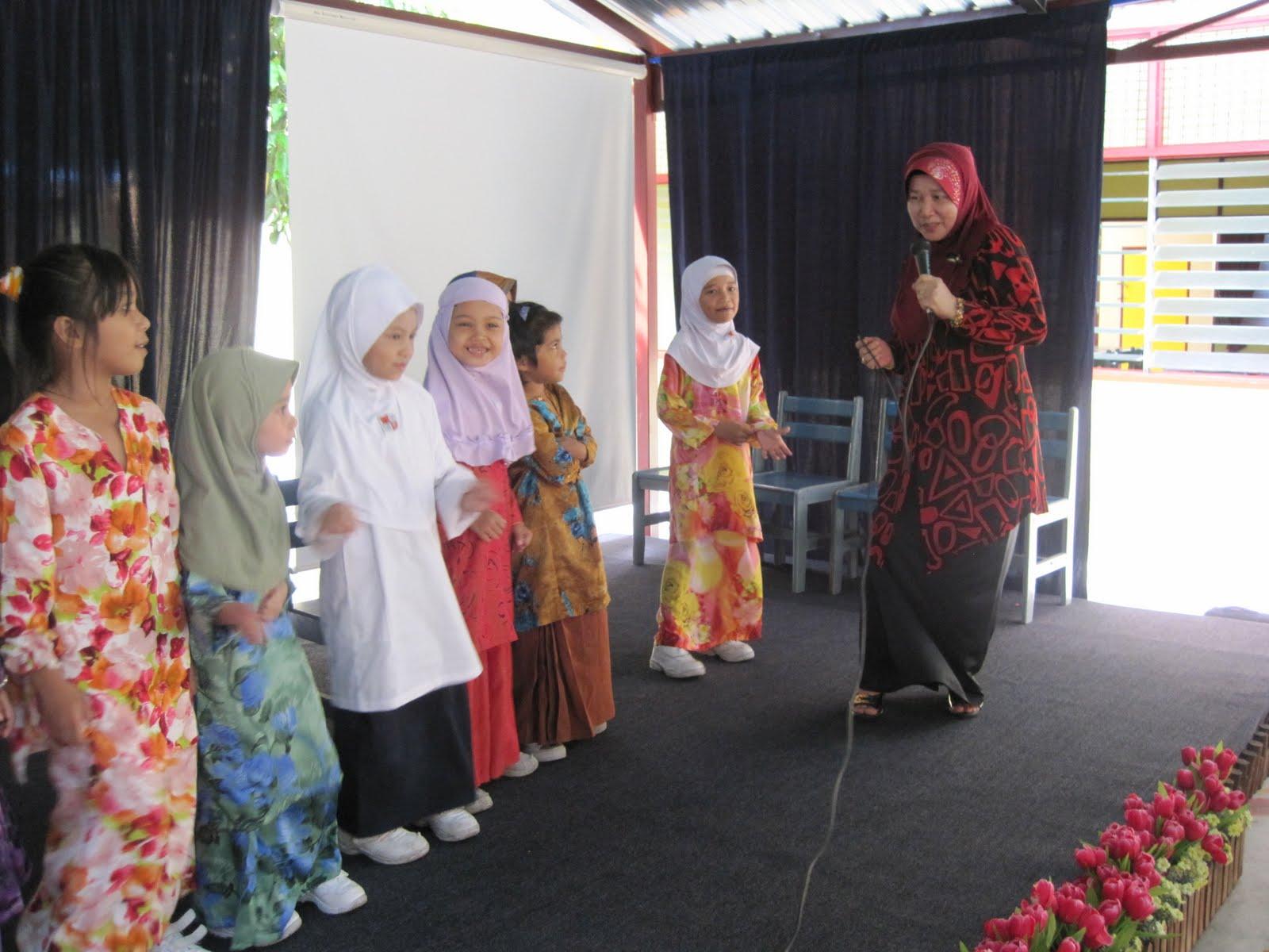Aktiviti sempena Sambutan Hari Guru Peringkat sekolah.