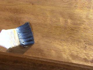 Decoraciones manualidades en madera tecnicas para for Como lacar una puerta barnizada