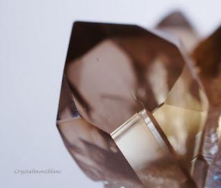 détail d'une pointe de quartz, cristal trouvé dans le Mont-Blanc
