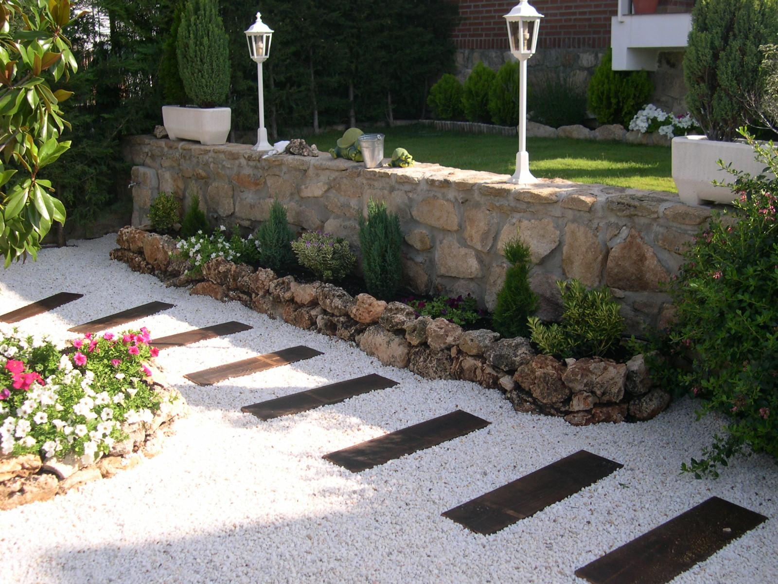 El jardin bueno bonito y barato mayo 2013 for Ideas paisajismo jardines