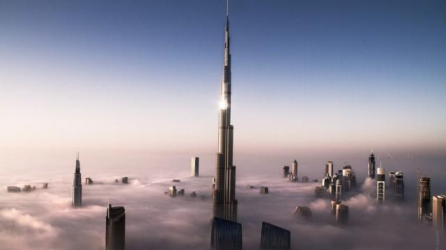 Burj Khalifa Dapat Terlihat Dari Kejauhan 90 KM