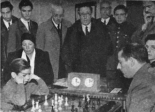 Partida de ajedrez Arturito Pomar contra Agustín Ingelmo