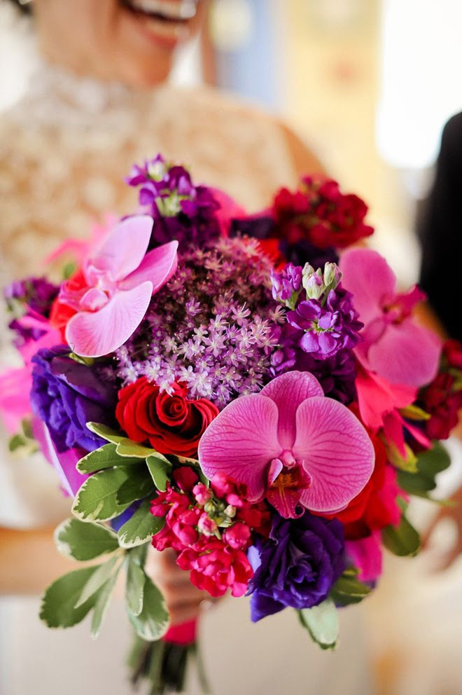 Bridal Flowers Magazine : Stunning wedding bouquets th edition belle the