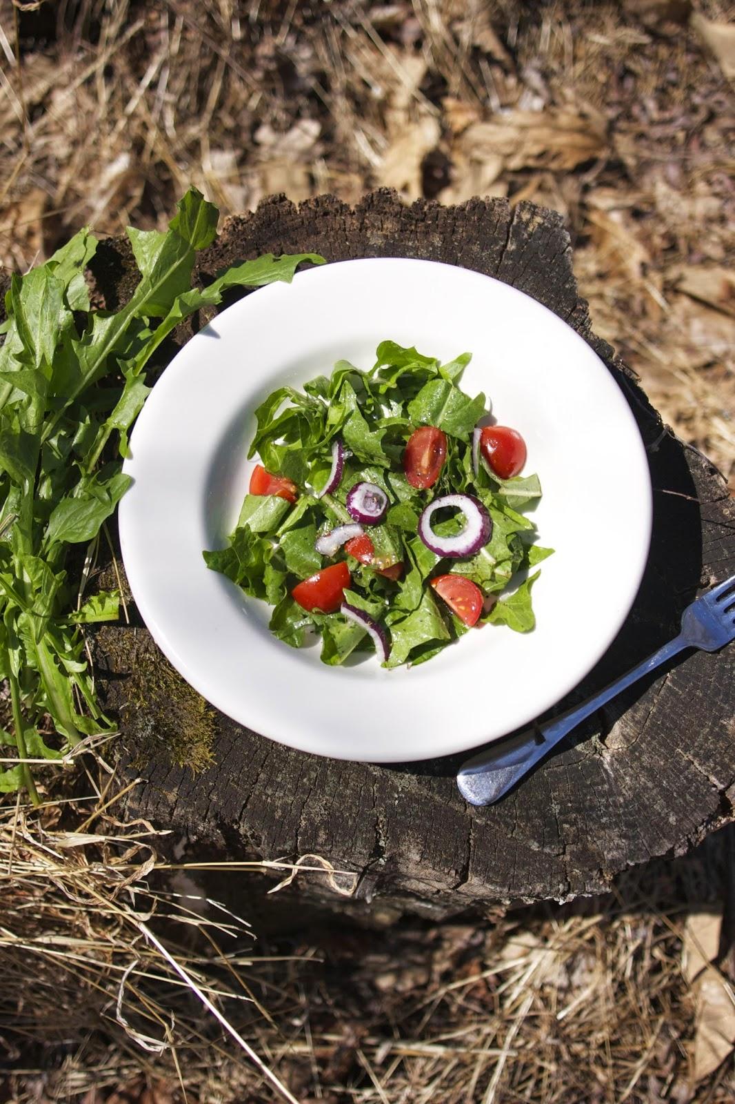 Dandelion Salad: simplelivingeating.com