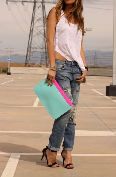 Boyfriend jeans_millennial model