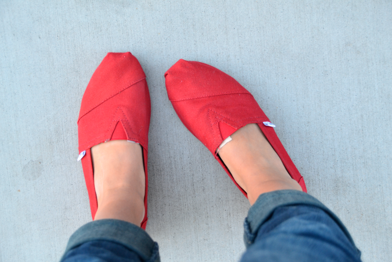 what stores can you buy toms