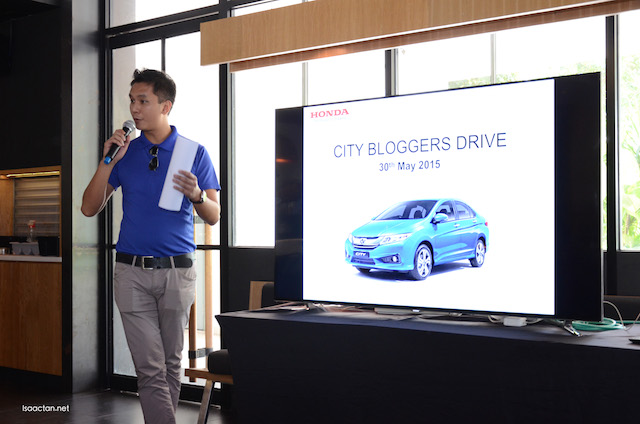 Jordhat Johan Shrithra, Assistant Manager of Public Relations Honda Malaysia, briefing us on the drive