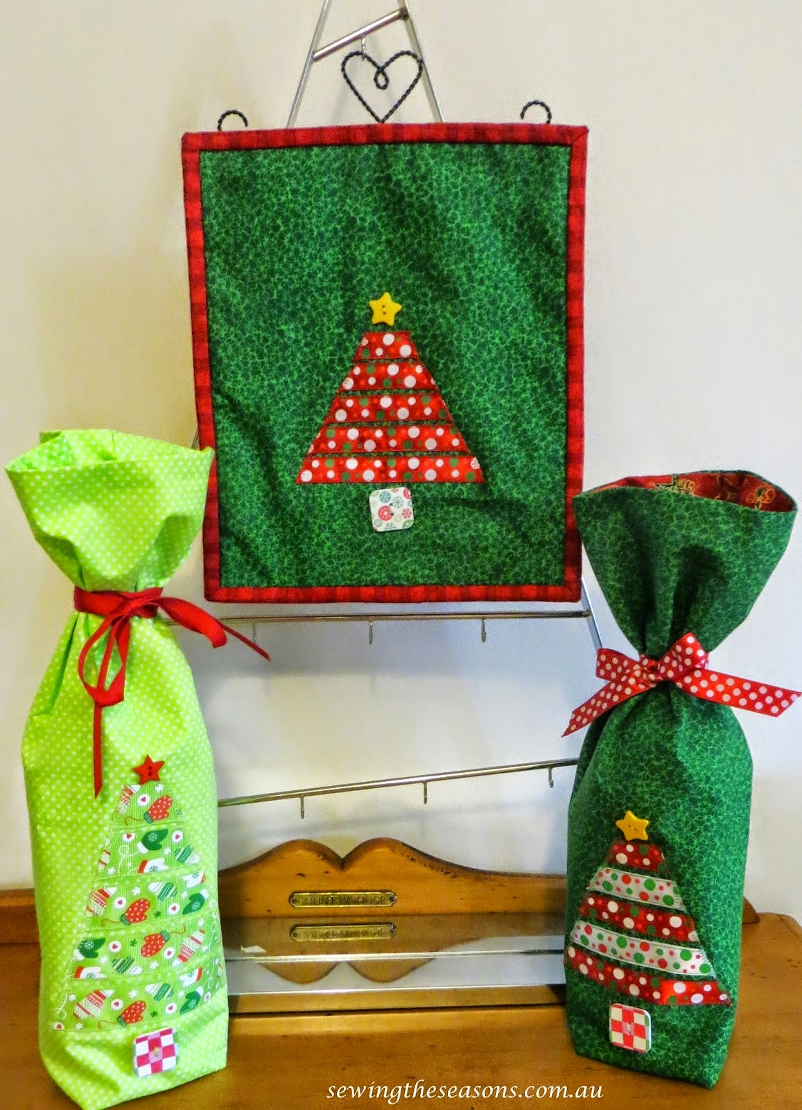 http://www.sewingtheseasons.com.au/2014/12/tutorial-ribbon-christmas-tree.html