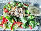 Salata de pui cu dressing preparare reteta