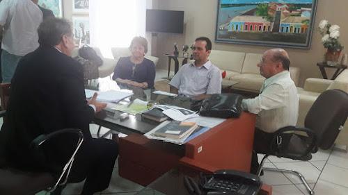 Mão Santa recebe diretora do campus da UESPI