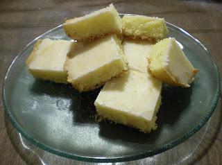 Cuadraditos de limón glaseados
