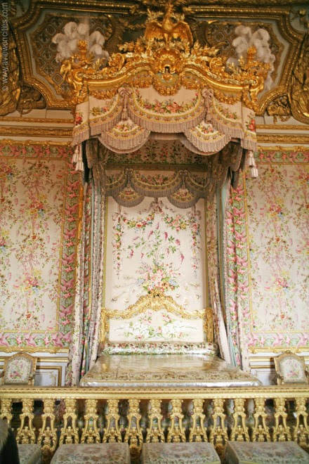 Queen's-Bedroom-Versailles-Palace